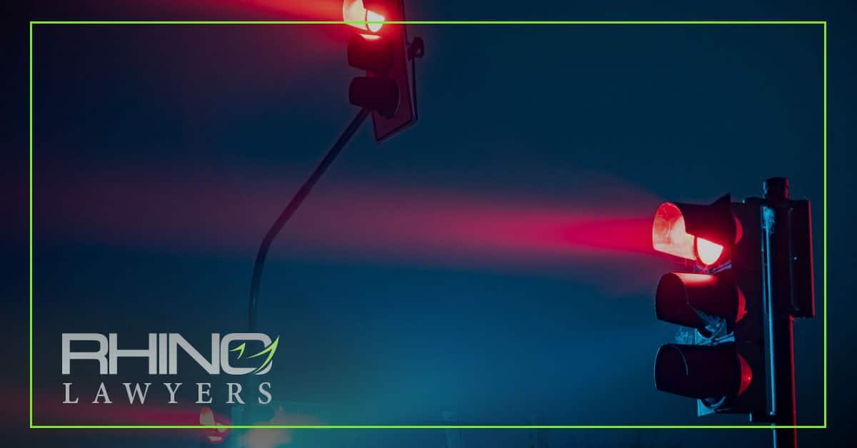 accidentes de tráfico con semáforo en rojo